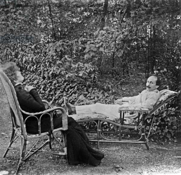 Sarah Bernhardt and Edmond Rostand in Saint-Leu-Taverny 1900