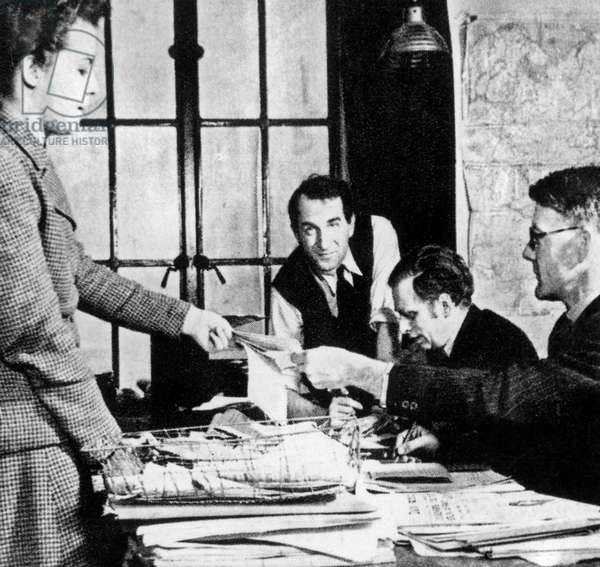 Editorial staff for news from France at BBC radio : Free French in London during ww2 (FFL)