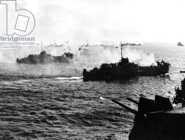 War in the Pacific : american warships during landings on Saipan japanese island june 14, 1944