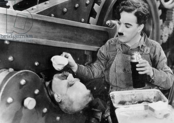 Les temps modernes MODERN TIMES de CharlesChaplin avec Charlie Chaplin, 1936