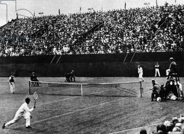 Henri Cochet (player on the left) against Tilden during the Davis Cup in Philadelphia, september 1927