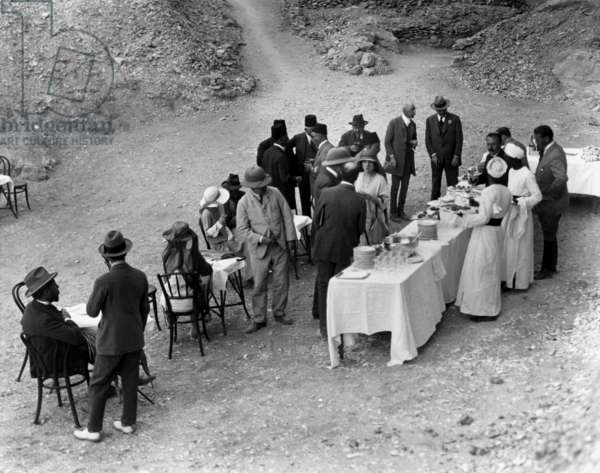 Banquet for the archaeologists working with Howard Carter on the site of Tutankhamun in the king's valley in 1922