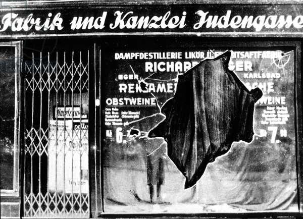 On november 9, 1938 : Crystal Night Kristallnacht : a store vandalized