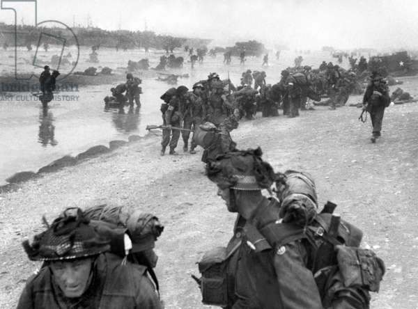 Normandy Landings, june 6, 1944 : english troops (3rd DI) landing on Sword Beach