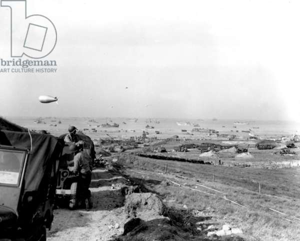 General View of Omaha Beach (in Saint Martin de Vareville) c. june 9, 1944 a few days after landings in Normandy : vehicles of the 2nd american Armoured Division