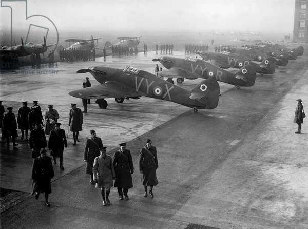 Visit of king of England George VI at airport in France in july 1938 where are exhibited Hawker Hurricane planes