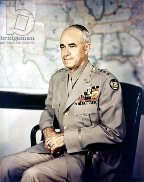 Lieutenant General Omar N. Bradley (1893 - 1981) general american specialist of infantry's tactics and Major of the 12th American Army Group on the French front, he commanded the american army during the the Normandy landings in June 1944