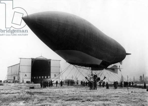 "French dirigible ""Patrie"" built by Lebaudy brothers, here in front of its hangar in 1906"