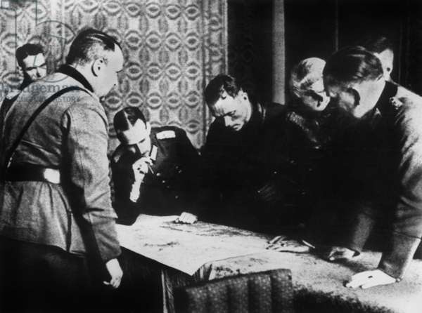 German General Heinz Guderian (2nd from r)  with Russian officer in Brest-Litovsk on september 22, 1939 to discuss the partition of Poland between Soviets and Germans