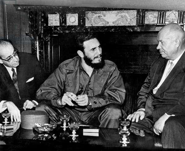 Toufik el Madani, algerian minister, Fidel Castro, cuban leader and Nikita Kroutchev, soviet communist leader, in New York in 1960 for UNO assembly