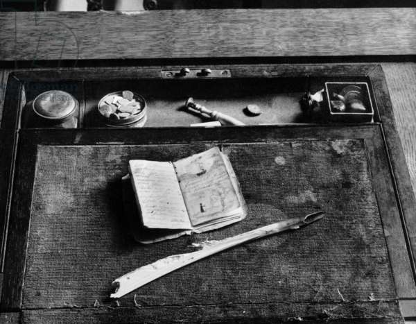 Charlotte Bronte's Writing Case (photo)