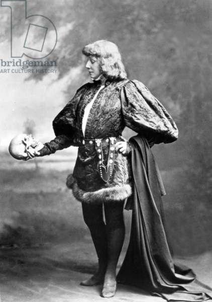 Comedian Sarah Bernhardt (1844-1923) as Hamlet in play Hamlet by WilliamShakespeare 1899