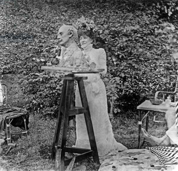 Sarah Bernhardt (1844-1923) making bust of Edmond Rostand c. 1900 in Saint-Leu-Taverny