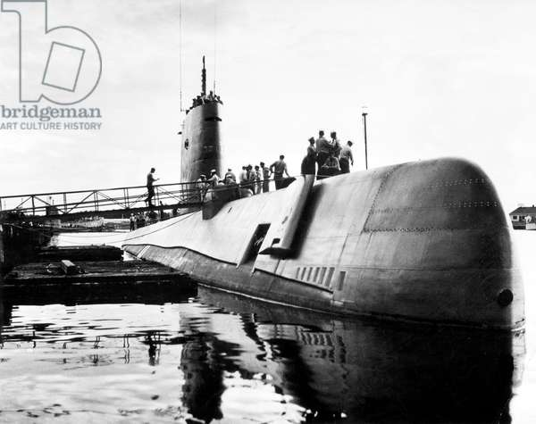 USS Nautilus american nuclear submarine, here departure from Pearl Harbor for journey to England by way of the North Pole July 25, 1955 for top secret mission, Operation Sunshine