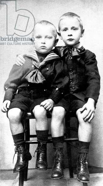 Georges Simenon with his younger brother Christian (l) around 1907-1908