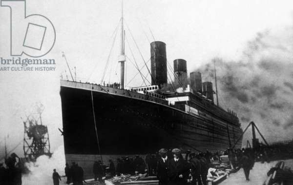 Embarkation of the Titanic, Belfast, 1912 (b/w photo)
