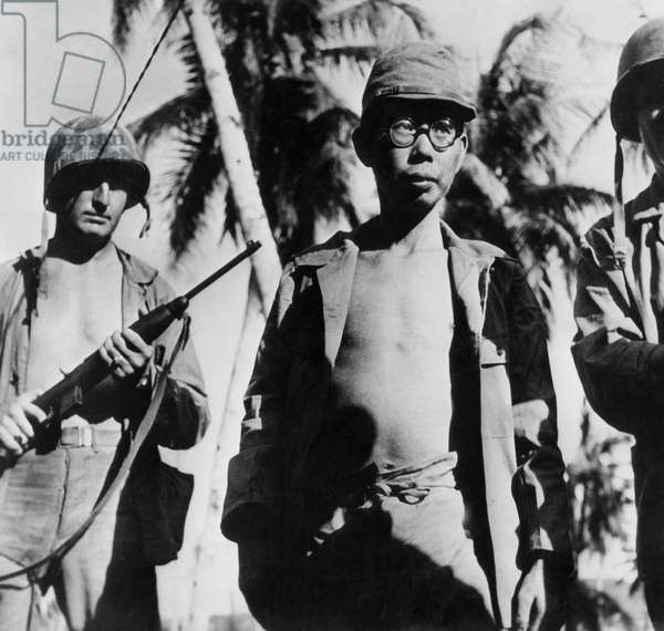 War in the Pacific : american soldiers on Saipan japanese island in 1942