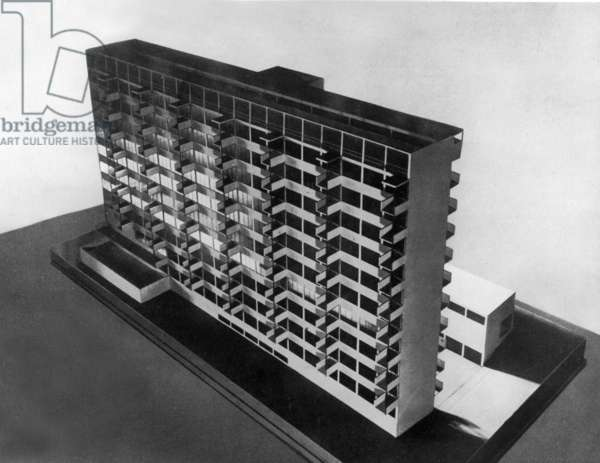 Scale model of building by Walter Gropius, 1931 (Bauhaus style)