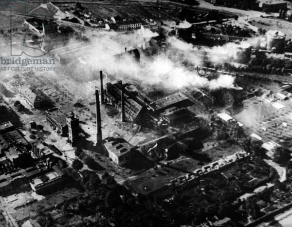 Bombing of Warsaw in Poland by Germans just before surrendr of the town (september 28, 1939)
