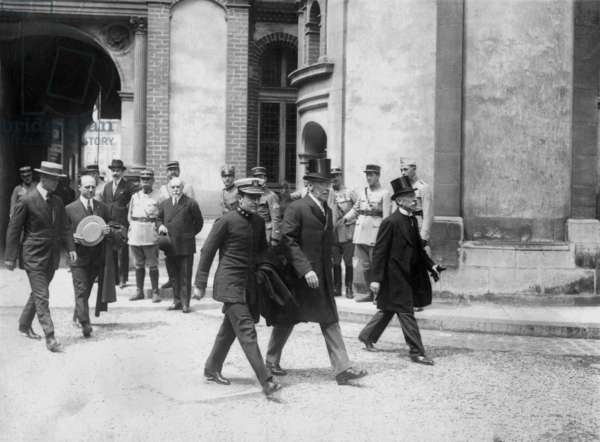 american president Thomas Woodrow Wilson arriving at Saint Germain castle for signature with Austria of Versailles Peace Treaty september 10, 1919