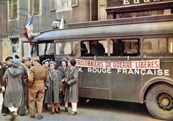 French Red Cross repatriation mission of the French prisoners in Germany , here in Karlsruhe autumn 1945