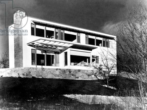 House in Framingham (Massachussetts) built by Walter Gropius in 1941 (Bauhaus style)