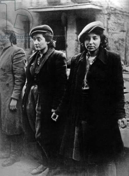 Jewish women during uprising of ghetto of Warsaw (Poland) 1943
