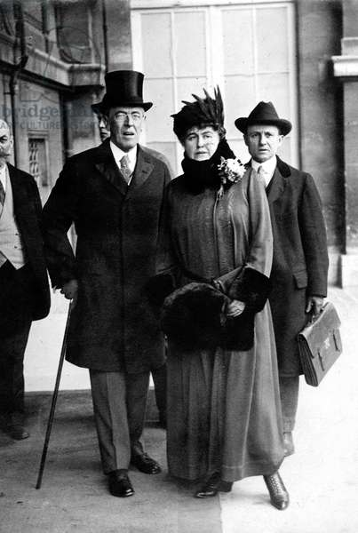 american president Thomas Woodrow Wilson and his wife at the Peace conference in Paris, France, 1919