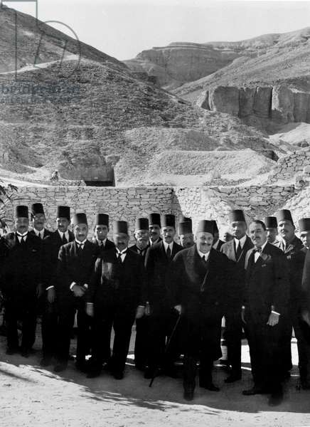 Howard Carter posing with Egyptian representatives in front of the tomb of Tutankhamun in the Valley of the Kings, Egypt, February 1923 (photo Harry Burton)