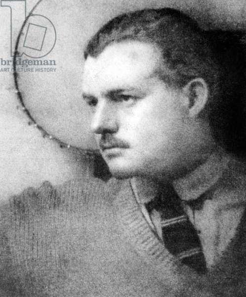 american writer Ernest Hemingway in 1924 in Paris