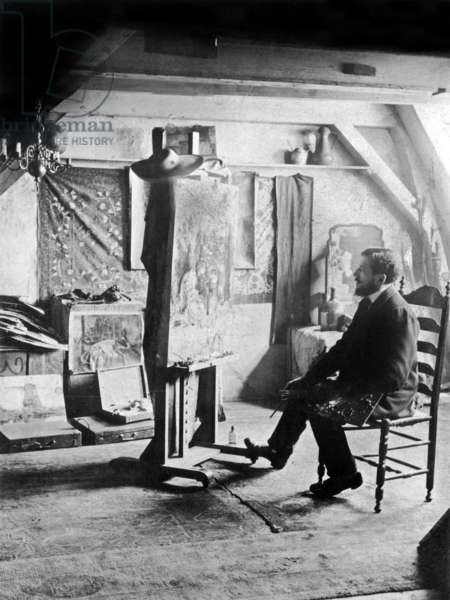 Piet Mondrian (1872-1944) Dutch painter Photographed in his studio c. 1905 (b/w photo)