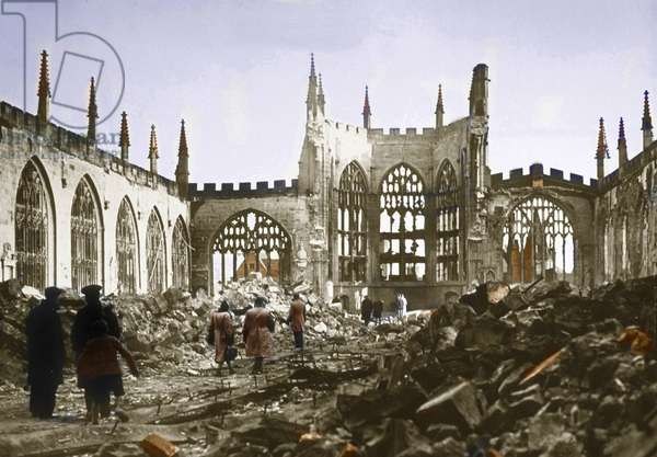 Battle of Britain : cathedral of Coventry in ruins after Blitz, 1940