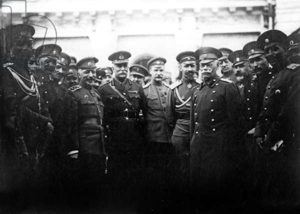 Officers of White Army, Russia, 1917 : 1st row on r with glasses : general Mikhail Alekseev, on his r : general Markov, behind : general Anton Ivanovitch Denikine