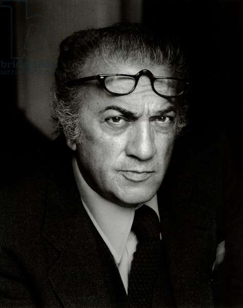 Frederico Fellini with glasses