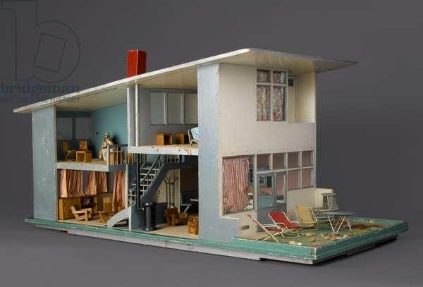 Doll's House, made by Jacobus (Koos) van Vliet (b.1922) and Piet van Gelder (fl.1952), 1952 (wood, metals, textiles, other materials)