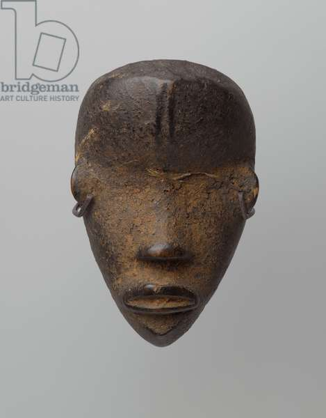Personal Miniature Mask (Ma Go), Dan or Mano culture, 19th or 20th century (wood, organic matter, fiber or feathers)