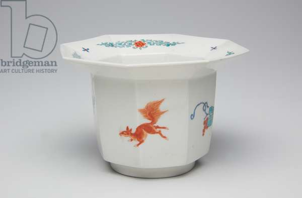 Cup, late 17th-early 18th century(Kakiemon, porcelain with overglaze enamel)