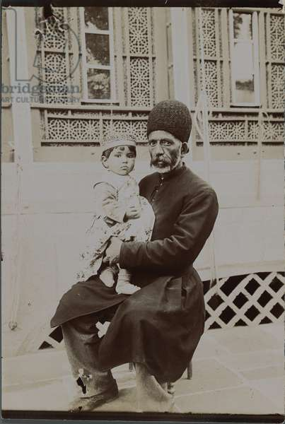 Dowlet Morad Bek and child (Torkmen) late 19th-early 20th century (silver gelatin print)