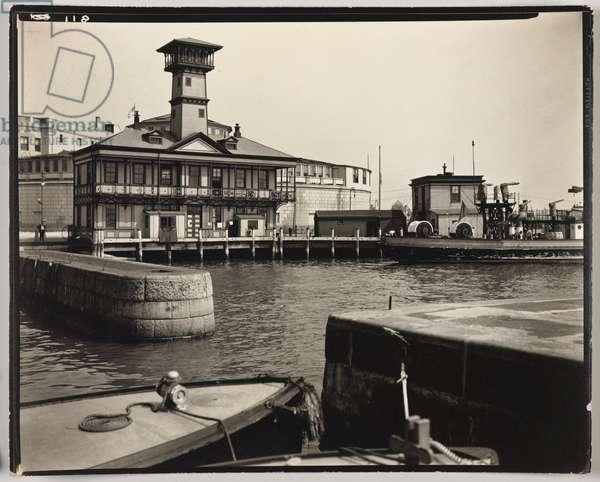 Firehouse: Battery-Manhattan, New York, USA, 1936 (gelatin silver photo)