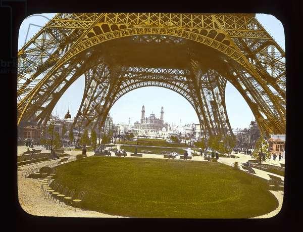Paris Exposition: Eiffel Tower and the Trocadero, 1900 (lantern slide)