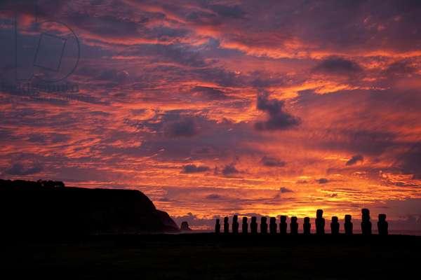Moai at Ahu Tongariki (photo)