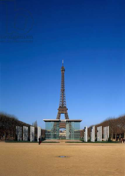 The Eiffel Tower with in the foreground the monument for peace, Champs de Mars built between 1806 and 1836, Paris 75007