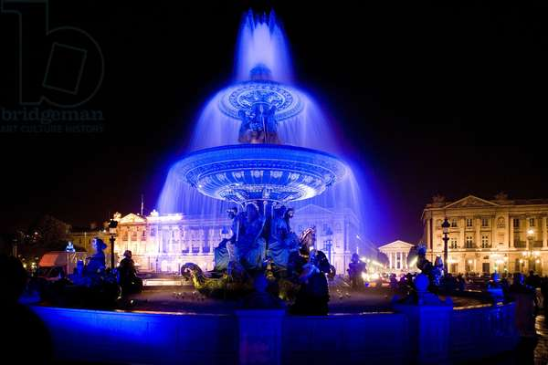 Place de la Concorde in the colors of Yves Klein during the Nuits Blanche, Paris 2006. Photography 07/10/06