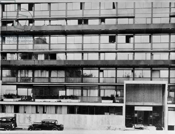 Clarte building in Geneva, Switzerland. Architect 1930, Le Corbusier (1887-1965). Formal prohibition of broadcasting this photograph without the prior consent of Judith Herve. Photo belonging to the Getty Foundation.
