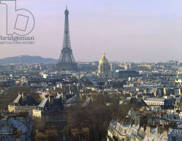 Panoramic view of Paris towards the Eiffel Tower from the Pantheon.