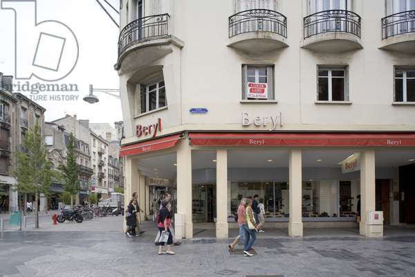 The Beryl store is located at 30 place Drouet d'Erlon in Reims (Marne, Champagne Ardennes region).
