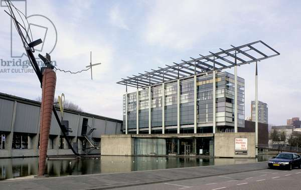 The Museum of Architecture, (Netherlands Architecture Institute, NAI), Museumpark 25 in Rotterdam (Netherlands). Construction 1993, architect Joe Coenen.