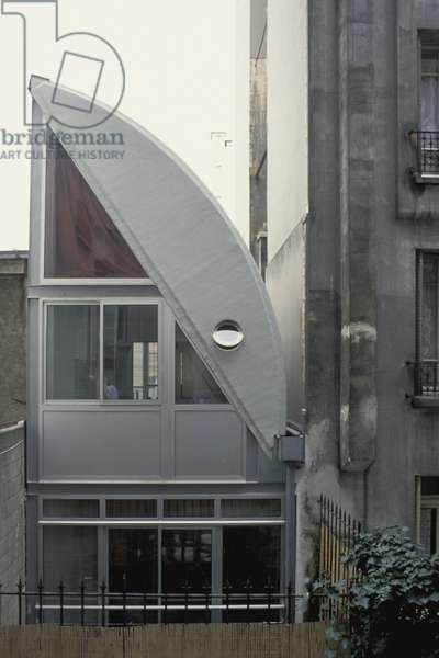 Maison Parisienne, rue de l'Hermitage, Paris 75020. Architecture by Christophe Lab, 1990. Photography 1990.