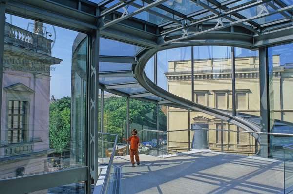Extension of the German Historical Museum in Berlin (Germany). Realisation 2001, architect Ieoh Ming Pei. Photography 10/08/02.