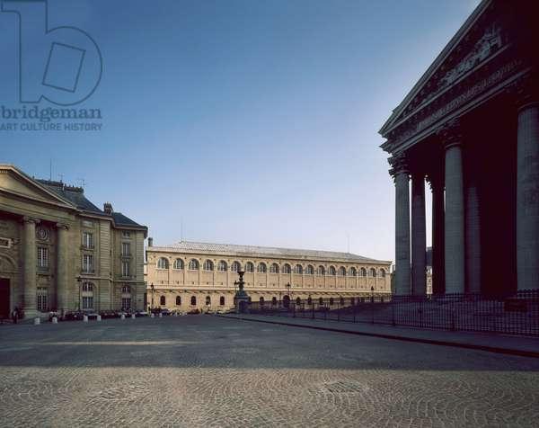 Place du Pantheon and Bibliotheque Sainte-Genevieve (Sainte Genevieve), Paris 75005. Architecture by Henri Labrouste and Jacques-Germain Soufflot.